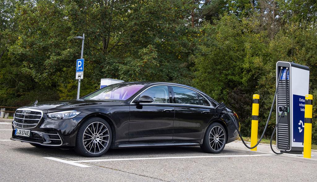 Mercedes–S-580-e-2021-7