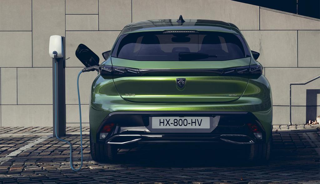 Peugeot-308-Plug-in-Hybrid-2021-4