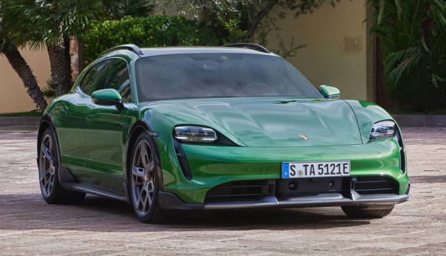 Porsche-Taycan-Turbo-S-Cross-Turismo