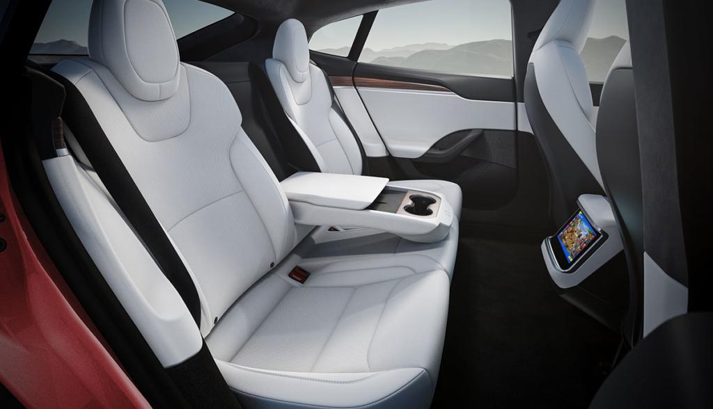 Tesla-Model-S-2021-6