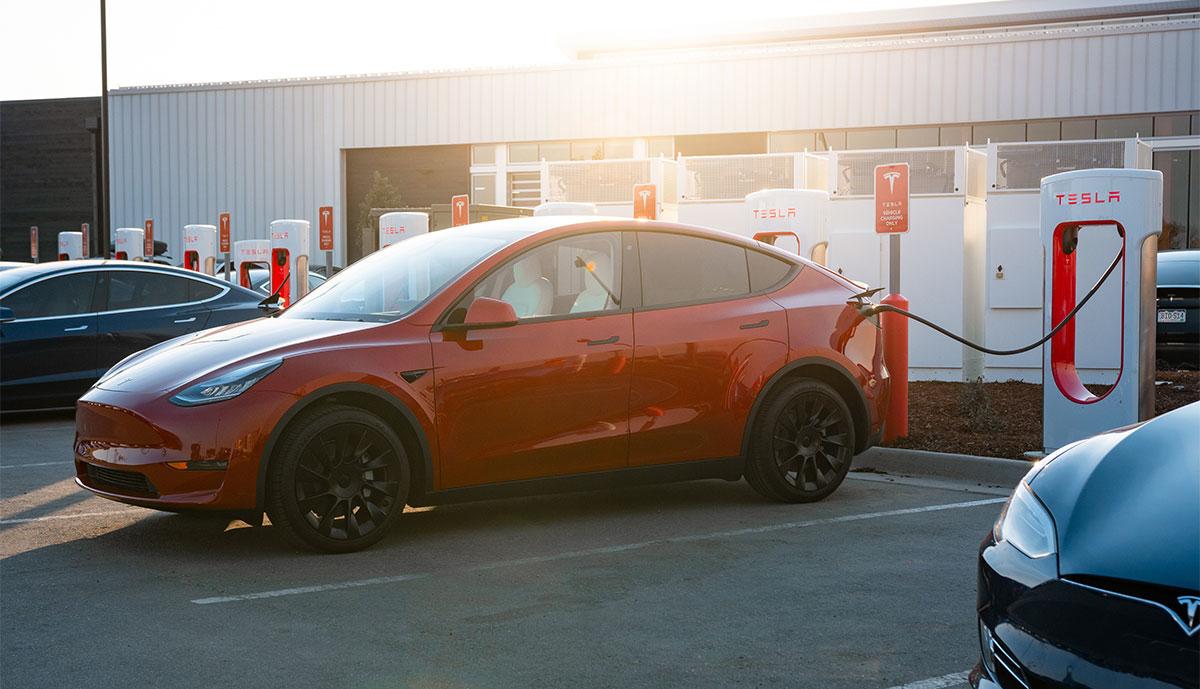 Tesla-Supercharger_20