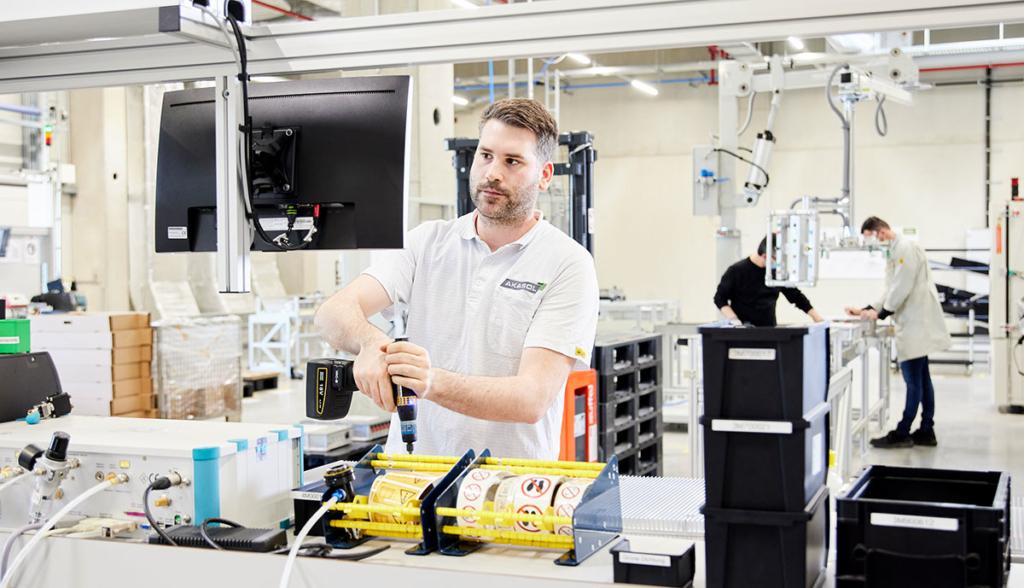 AKASOL-Gigafactory-1_-Produktion-AKARack