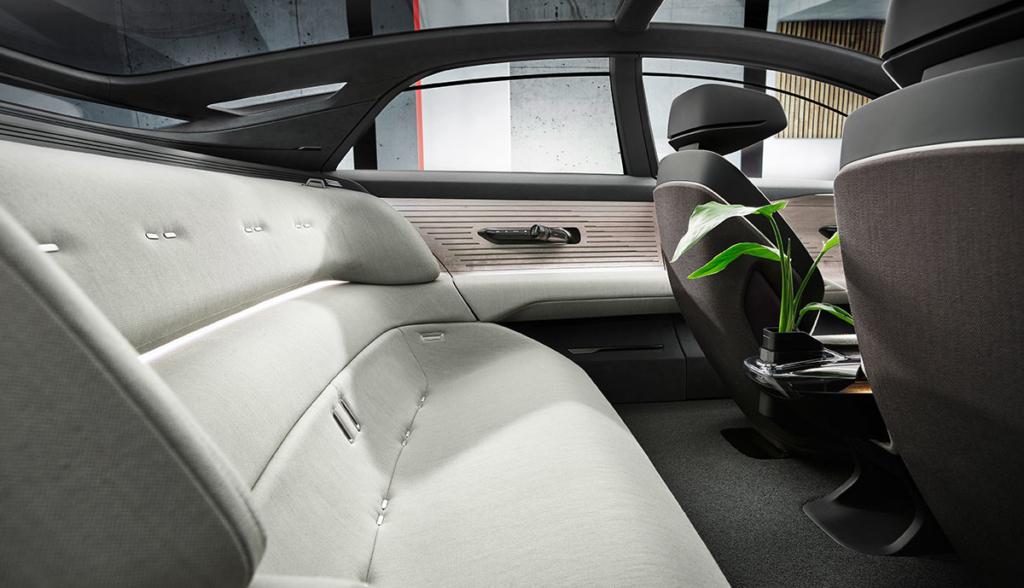 Audi-Grandsphere-2021-10