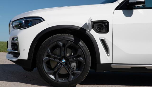 BMW-X5-Ladeanschluss