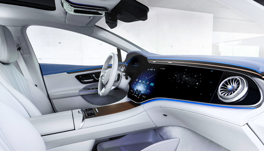 Mercedes-EQE-2021-11
