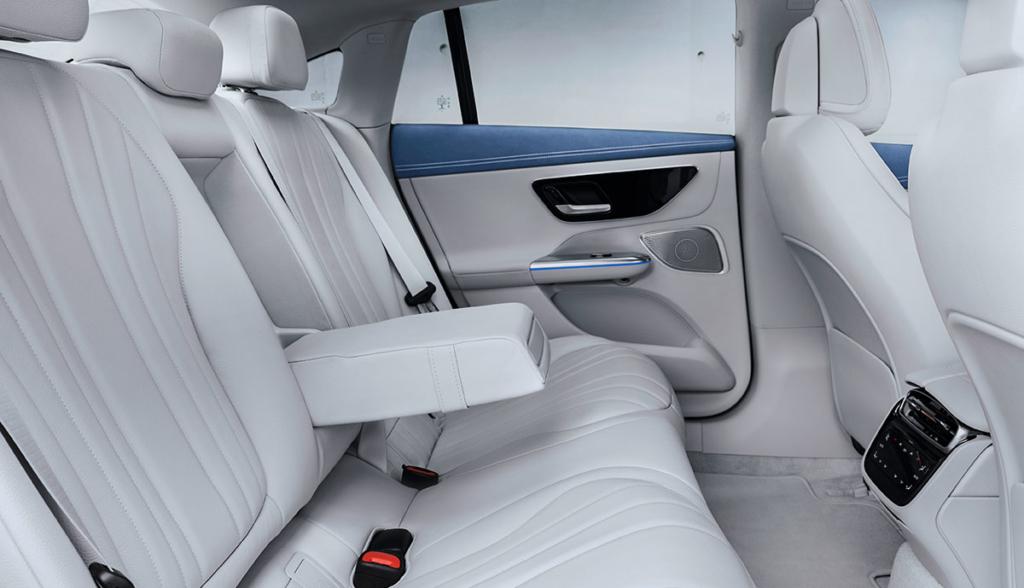 Mercedes-EQE-2021-5