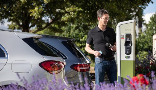 Mercedes-Plug-in-Hybrid-laden