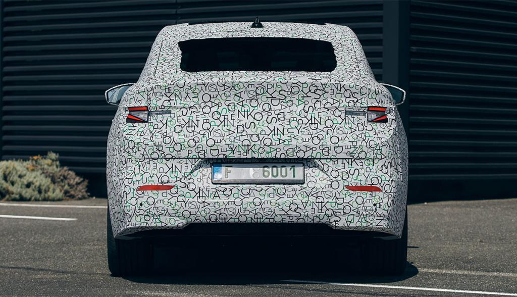 Skoda-Enyaq-iV-Coupe-getarnt-2021-9