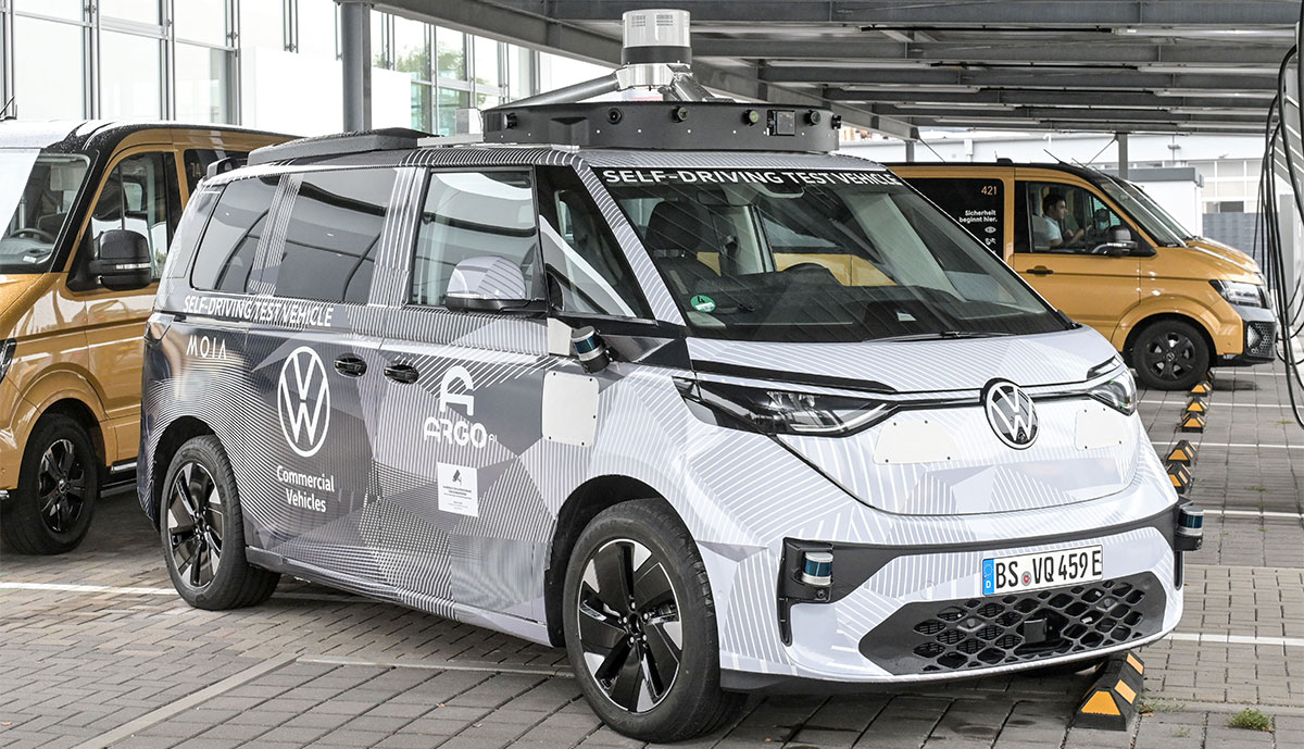 Volkswagen stellt Fahrplan für autonomes Elektro-Ridepooling in Hamburg vor