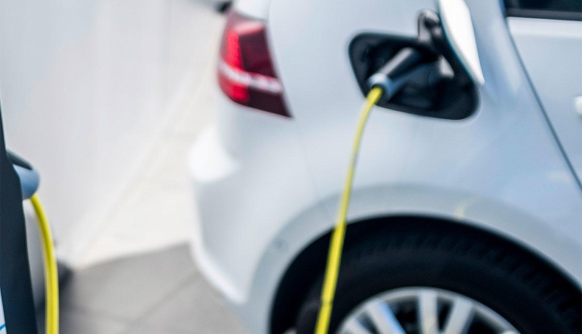 VW-e-Golf-laedt