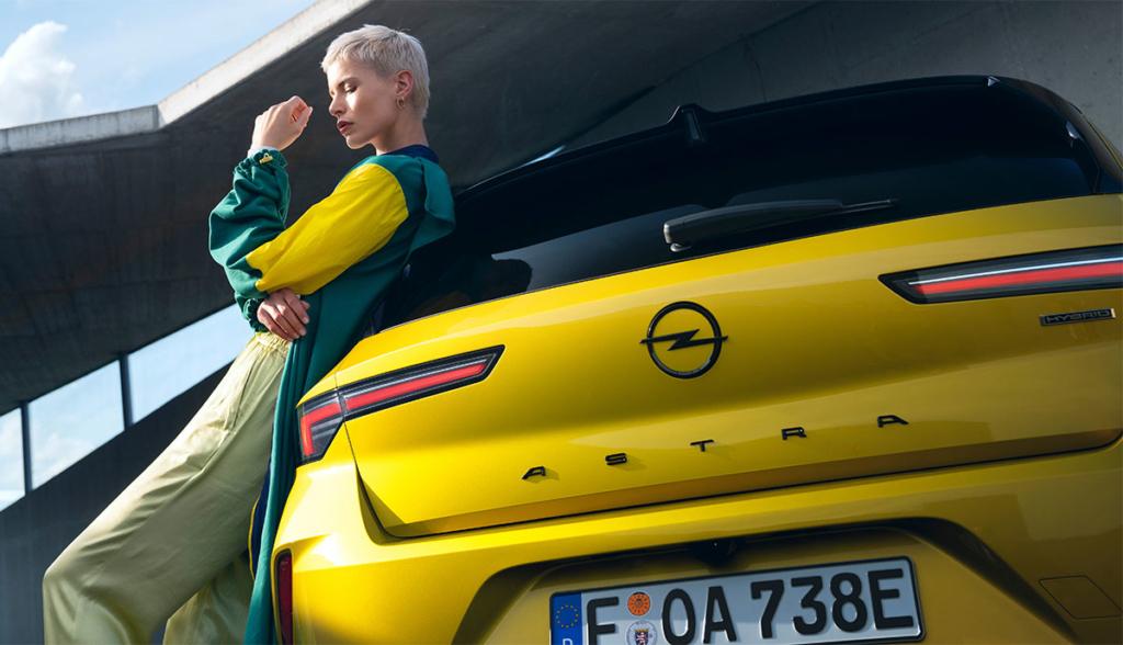 Opel Astra Hybrid-8