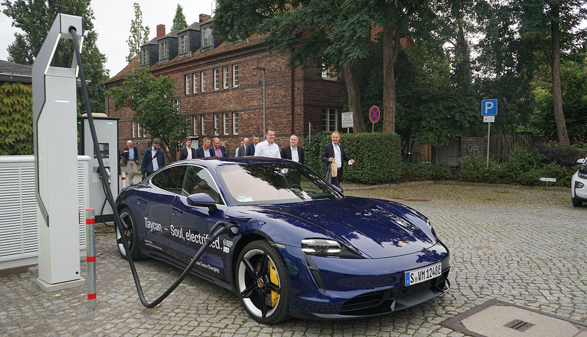 TU Dresden forscht mit Porsche an besserer Ladetechnik