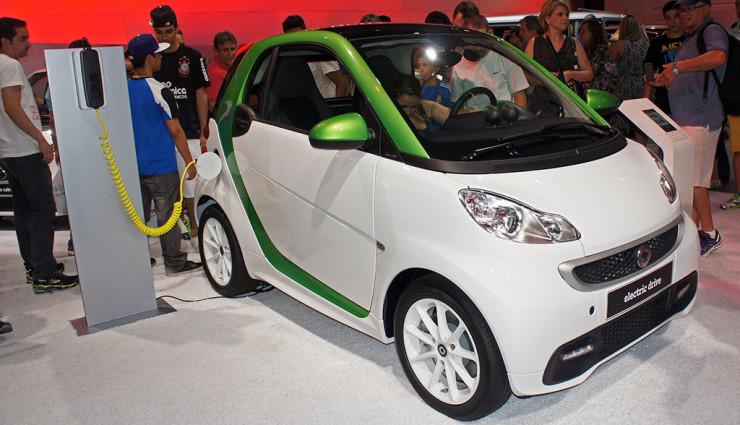 Elektroauto-Förderung: Schäubles Sinneswandel sorgt für gemischte Reaktionen