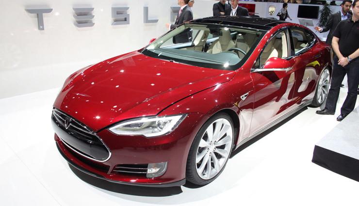 """Daimler-Zukunftsforscher: """"Tesla-Erfolg hilft allen Autoherstellern"""""""