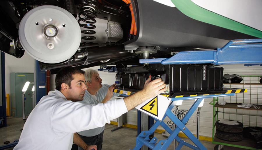 Daimler-Betriebsratschef fürchtet wegen Elektromobilität um Arbeitsplätze