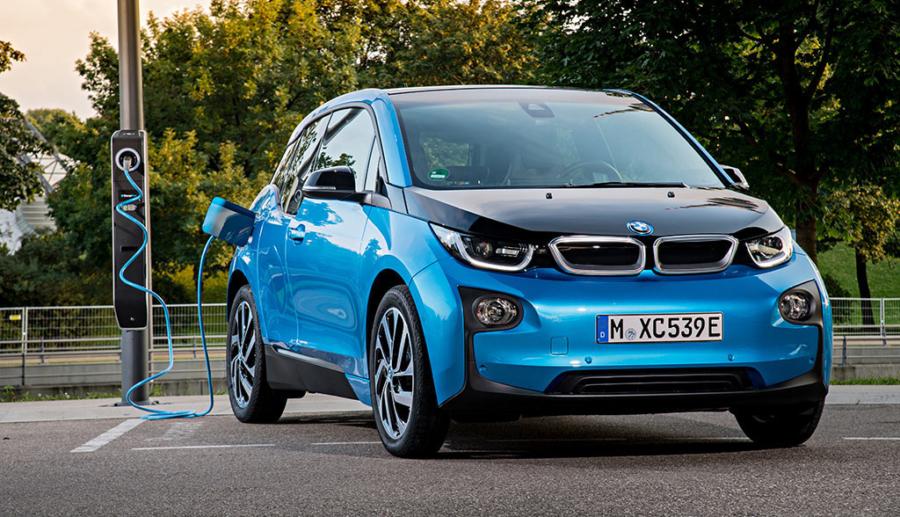 BMW, Daimler, VW & Co. planen eigenes Elektroauto-Ladenetz