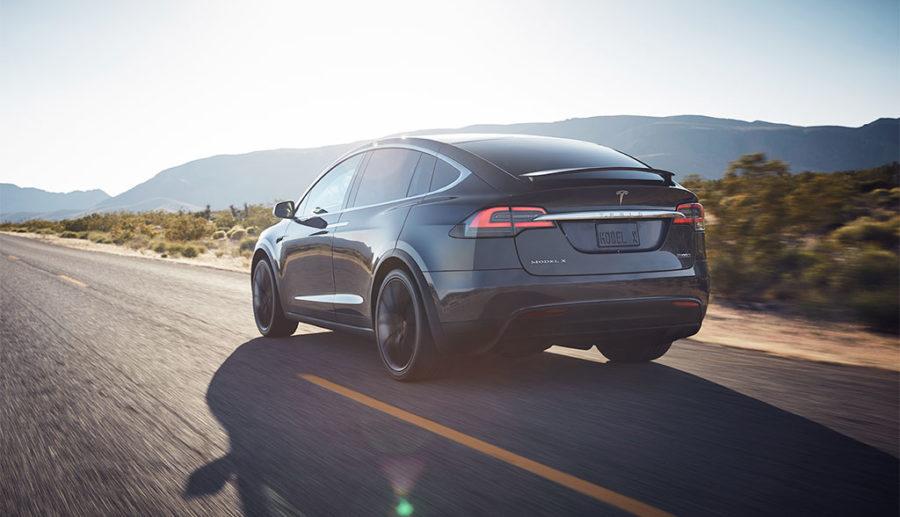 """Autoexperte: """"Tesla nur eine Modeerscheinung"""", deutsche Zellproduktion """"purer Schwachsinn"""""""