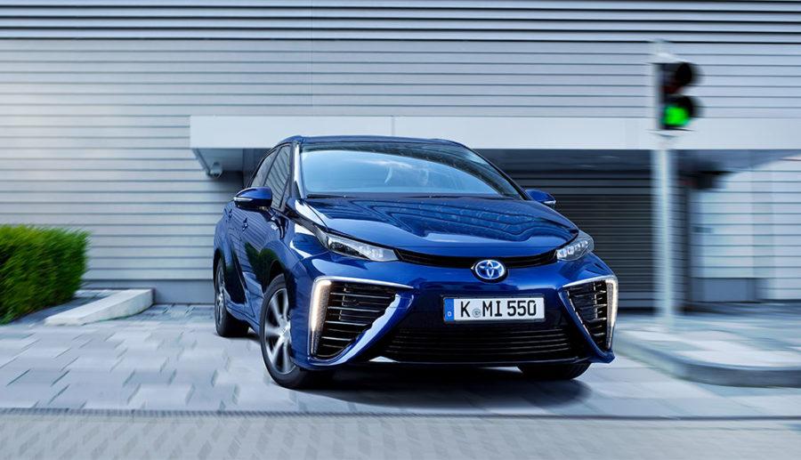 Toyota treibt Großserienproduktion von Wasserstoff-Elektroautos voran