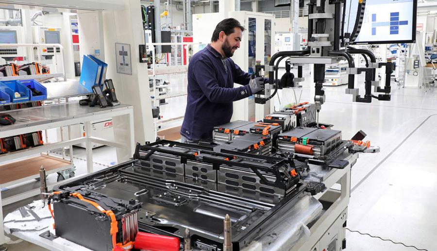 BMZ, StreetScooter und e.GO Mobile planen Batteriezellenfabrik in NRW