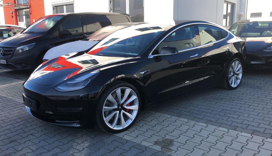 Deutsche Elektroauto-Vermietung NextMove flottet 100 Tesla Model 3 ein