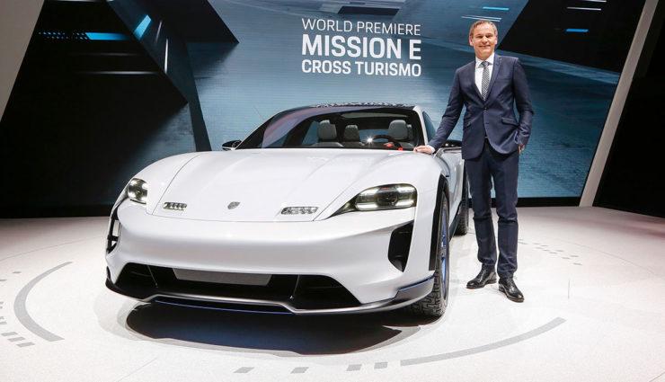 """""""Porsche und die Elektromobilität. Das passt perfekt zusammen."""""""