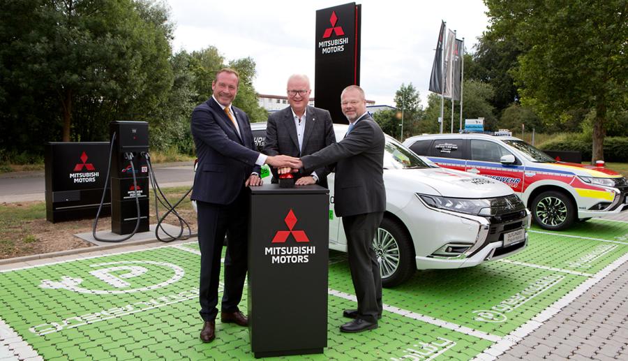Mitsubishi eröffnet größte öffentliche Elektroauto-Tankstelle Hessens