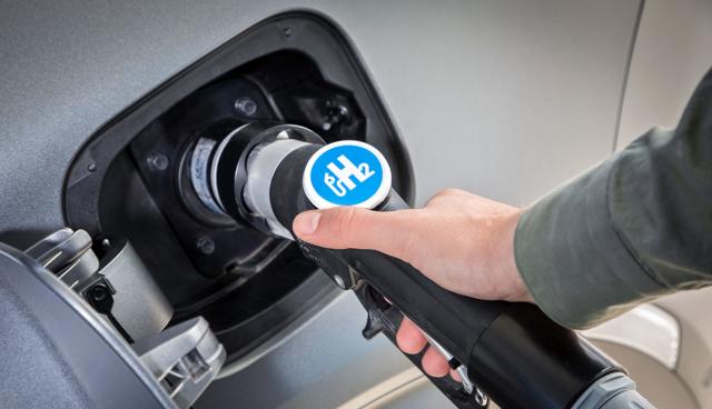 Erste Tankstelle für Wasserstoff-Elektroautos in Mönchengladbach eröffnet