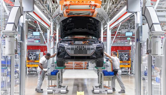 Analyse: Elektroautos noch mit bis zu 60 Prozent höheren Materialkosten als Verbrenner