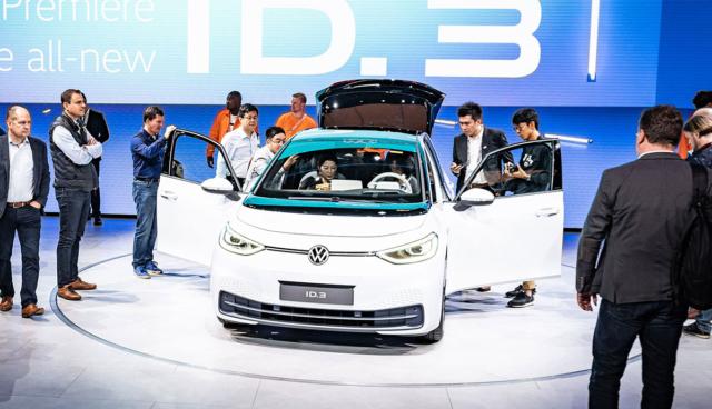 Warum Volkswagen auf Batterie- statt Wasserstoff-Stromer setzt