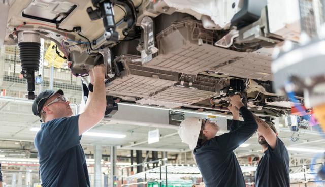 BMW bekräftigt Verzicht auf Batteriezell-Serienfertigung