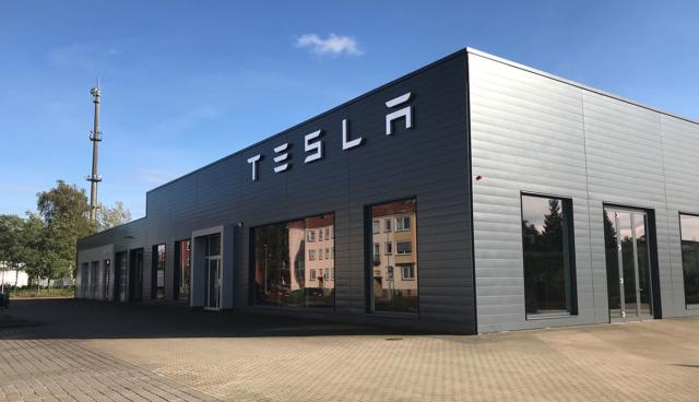 Tesla-Service-Hannover-aussen