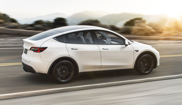 Tesla-Model-Y-Sunset-White