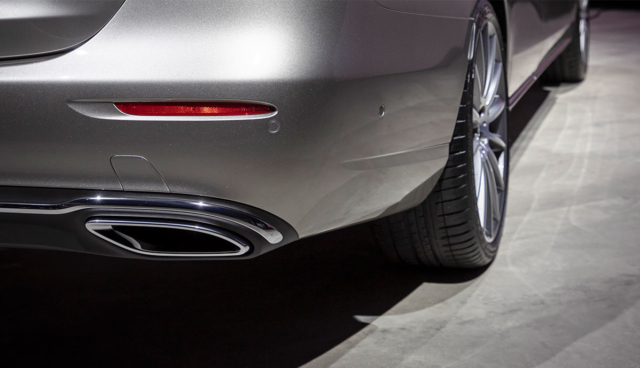 Mercedes-E-Klasse-Auspuff