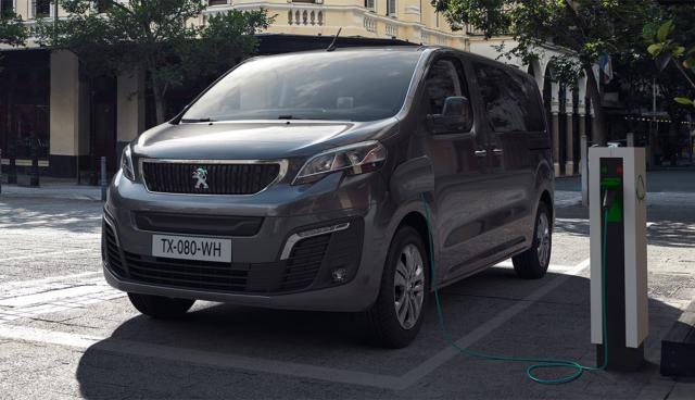 Peugeot-e-Traveller-2020-3