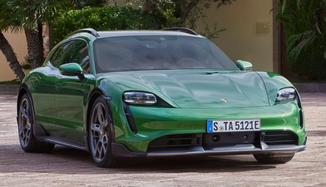 Porsche-Taycan-Cross-Turismo-2021-1