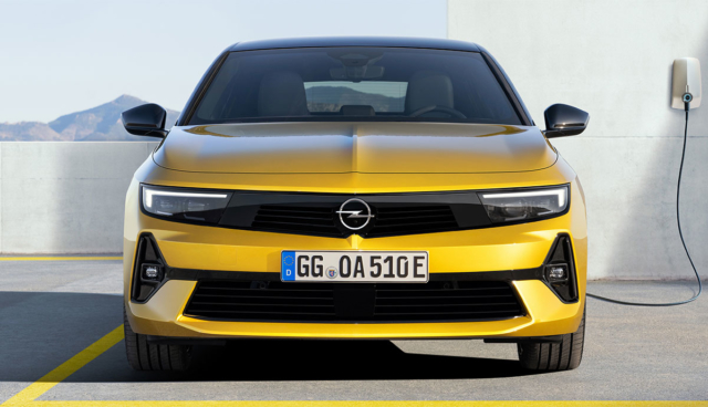 Opel-Astra-Hybrid-2021-7